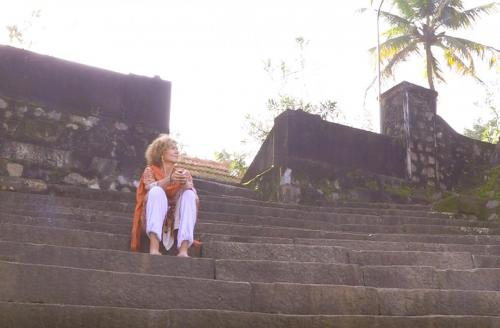 Renata steps